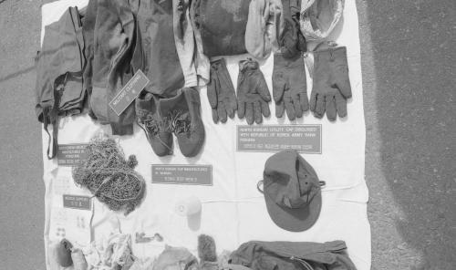 제400차 군사정전위원회의(무장간첩, 포항해상침투, 한강하류침투, 휴전선 침투) 노획 증거물 전시  #1798